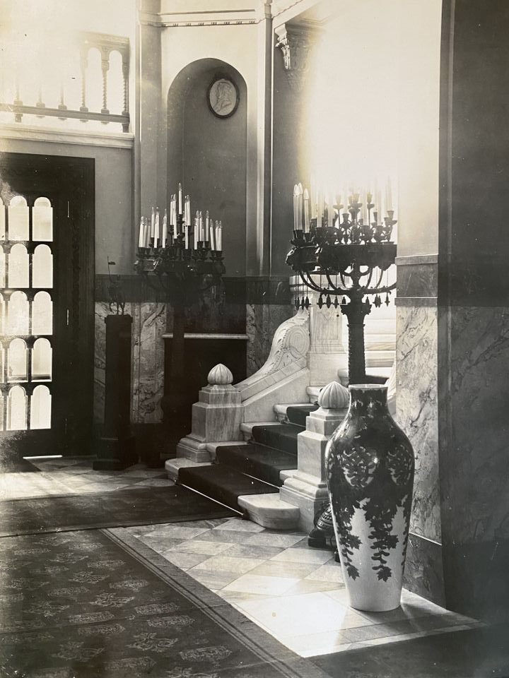 Централното фоайе, 1912 г.