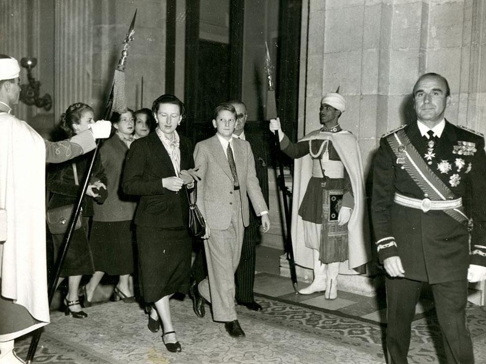 Царица Иоанна, Цар Симеон и Княгиня Мария Луиза на първа среща с генералисимус Франко в Двореца Пардо в Мадрид, 1951 г.