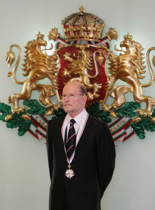 Цар Симеон при удостояването му с най-високото отличие на Република България – Орден Стара планина, 2007 г.