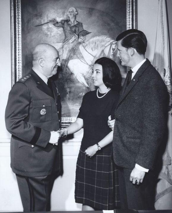 Посещение във Военната академия Вали Фордж години след завършването.